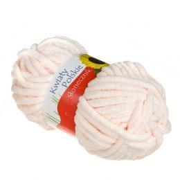 Kwiaty Polskie Słonecznik 132 to gruba pluszowa włóczka w kolorze morelowym wykonana w 100% z poliestru.