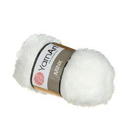 Yarn Art Mink 330 to cudownie miękka włóczka. Lekka i puszysta dzięki czemu idealna na zabawki, koce oraz poduszki.