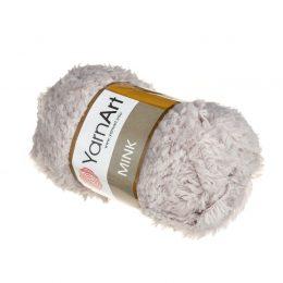Yarn Art Mink 337 to cudownie miękka włóczka. Lekka i puszysta dzięki czemu idealna na zabawki, koce oraz poduszki.