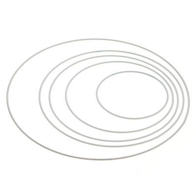 Obręcz metalowa 10cm do obrabiania w kolorze białym. Idealna do tworzenia łapaczy snów.