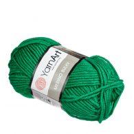 Yarn Art Merino Bulku 338 w kolorze zielonym.