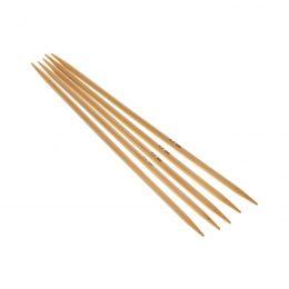 Druty skarpetkowe 4.5mmwykonane z bambusa od firmy SKC. Bambus jest lakierowany i pozbawiony odstających włókien.