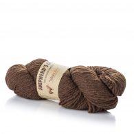 Fibranatura Shepherd's Own 40007 to naturalna, niebarwiona wełna owcza doskonałej jakości. Włókna są mięciutkie, nie odstające i ładnie skręcone.