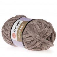 yarn art dolce maxi 754 gruba pluszowa włóczka w kolorze puchatkowym. Większa siostra sławnej Dolphin Baby, idealna na zabawki lub koce