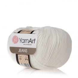 Włóczka Yarn Art Jeans 01 w kolorze białym to kultowa propozycja największego tureckiego producenta. Jej skład to mieszanka bawełny z akrylem.