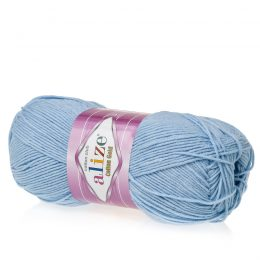 Alize Cotton Gold 40 blue jeans. Bawełniano-akrylowa miękka włóczka o przyjemnym skręcie. Idealna na zabawki amigirumi i odzież wiosenno-letnią.