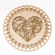 Baza do koszyka ze sznurka okrągła serce geometryczne. Zawiera gładką podstawę o średnicy 17cm oraz wzorzystą pokrywę o srednicy 15cm.