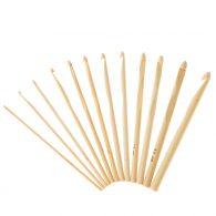 Szydełko bambusowe 3mm o długości 15cm. Cechuje je prostota i funkcjonalność. Posiada okrągły przekrój. Zakończone jest widocznym napisem z rozmiarem
