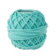 Sznurek bawełnianyBawełenka miętowato 100% bawełny w postaci przędzonego sznura o średnicy 5mm. W zwiniętym w kulkę motku znajdziemy 50 m.