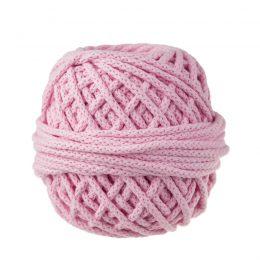 Sznurek bawełnianyBawełenka różowa 300 to 100% bawełny w postaci przędzonego sznura o średnicy 5mm. W zwiniętym w kulkę motku jest 50 m.