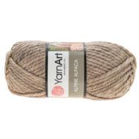 Yarn Art Alpine Alpaca 432 wełniano-akrylowa włóczka w kolorze naturalnym z dodatkiem wełny z alpaki. Mięciutka propozycja na zimowe akcesoria.