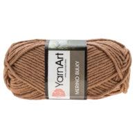Yarn Art Merino Bulky 514 w kolorze kawy z mlekiem to cieplutka wełniano-akrylowo włóczka idealna na czapki, swetry, szale czy koce.
