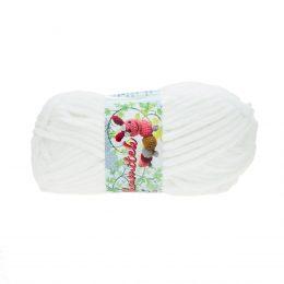 Opus Natura Aksamitek 150 w kolorze białym to pluszowa, gruba włóczka, wykonana z poliestru. Dzięki swej miękkości jest idealna do tworzenia zabawek.