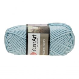 Yarn Art Merino Bulky 215 to super ciepła włóczka w kolorze błękitnym idealna na szaliki, czapki, czy kapcie. Akryl z wełną, 100g/100m