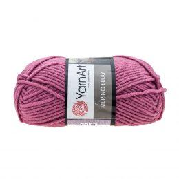 Yarn Art Merino Bulky 3017 to ciepła włóczka w kolorze wrzosowym idealna na szaliki, czapki, czy kapcie. Akryl z wełną, 100g/100m