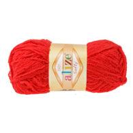 Alize Softy 56 czerwony mięciutka włochata włóczka idealna na maskotki, szale, poduchy i koce. Struktura trawki daje piękny fantazyjny efekt.