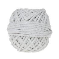 Sznurek bawełnianyBawełenka biała to 100% bawełny w postaci przędzonego sznura o średnicy 5mm. W zwiniętym w kulkę motku znajdziemy 50 m.