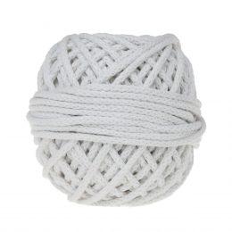 Sznurek bawełnianyBawełenka biała 000 to 100% bawełny w postaci przędzonego sznura o średnicy 5mm. W zwiniętym w kulkę motku jest 50 m.