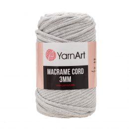 Włóczka Yarn Art Macrame Cord 3 mm 756 szaryto 60% bawełny i 40% poliestru i wiskozy . Jej najbardziej charakterystyczną cechą jest przędzona struktura