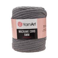 Włóczka Yarn Art Macrame Cord 5mm 774 ciemny szaryto 60% bawełny i 60% poliestru i wiskozy . Jej najbardziej charakterystyczną cechą jest przędzona struktura.