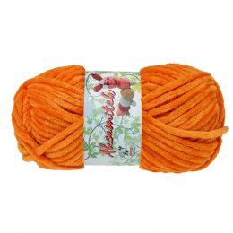 Opus Natura Aksamitek 1294 w kolorze pomarańczowym to pluszowa, gruba włóczka, wykonana z poliestru. Dzięki swej miękkości jest idealna do tworzenia zabawek.