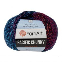 Yarn Art Pacific Chunky 302 to cudna cieniowana cieplutka wełniano-akrylowo włóczka idealna na czapki, swetry, szale czy koce.