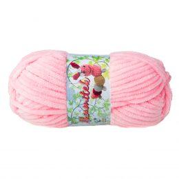 Opus Natura Aksamitek 1803 w kolorze cukierkowym to pluszowa, gruba włóczka, wykonana z poliestru. Dzięki swej miękkości jest idealna do tworzenia zabawek.