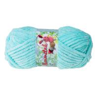 Opus Natura Aksamitek 67 w kolorze aqua to pluszowa, gruba włóczka, wykonana z poliestru. Dzięki swej miękkości jest idealna do tworzenia zabawek.