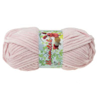 Opus Natura Aksamitek 807 w kolorze pudrowego różu to pluszowa, gruba włóczka, wykonana z poliestru. Dzięki swej miękkości jest idealna do tworzenia zabawek.