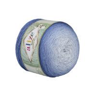 Alize Bella Ombre Batik 7407 to przepiękna cukierkowa bawełna ombre w odcieniach niebieskiego.Motki o wadze 250g mają aż 900 metrów!