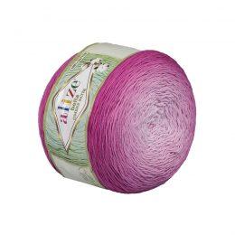 Alize Bella Ombre Batik 7429 to przepiękna cukierkowa bawełna ombre w odcieniach purpury.Motki o wadze 250g mają aż 900 metrów!