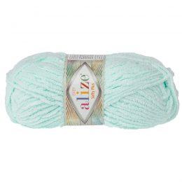 Alize Softy Plus 15 mięta mięciutka włochata włóczka idealna na maskotki, szale, poduchy i koce. Struktura trawki daje piękny fantazyjny efekt.
