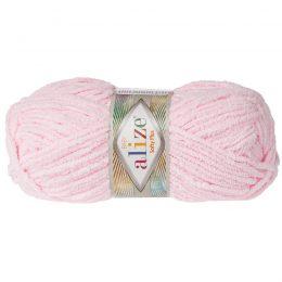 Alize Softy Plus 31 róż mięciutka włochata włóczka idealna na maskotki, szale, poduchy i koce. Struktura trawki daje piękny fantazyjny efekt.