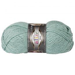 Włóczka Alize Superlana Midi 463 mięta to ciepła i miękka mieszanka wełniano-akrylowa. Paleta włóczki posiada piękne jesienno-zimowe kolory. 100g/170m