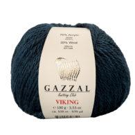 Gazzal Viking 4022 - to wełniano-akrylowa włóczka w kolorze navy. Cudna i mięciutka na zimowe akcesoria. Viking to mieszanka 70% akrylu i 30% wełny