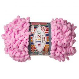 Alize Puffy Fine 194 pluszowa fantazyjna włóczka w kolorze różowym. Do tworzenia nie potrzeba drutów ani szydełka!