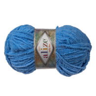 Alize Softy Plus 112 niebieski mięciutka włochata włóczka idealna na maskotki, poduchy i koce. Struktura trawki daje piękny fantazyjny efekt.