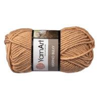 Yarn Art Merino Bulky 511 w kolorze beżowym to cieplutka wełniano-akrylowo włóczka idealna na czapki, swetry, szale czy koce.