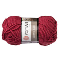 Yarn Art Merino Bulky 570 w kolorze malinowym to cieplutka wełniano-akrylowo włóczka idealna na czapki, swetry, szale czy koce.