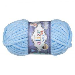 WłóczkaAlize Velluto 218 to pluszowa, miękka włóczka w kolorze błękitu. Alternatywa dla Dolphin Baby. 100g/68m