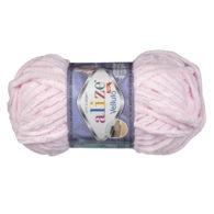 WłóczkaAlize Velluto 31 to pluszowa, miękka włóczka w kolorze różu. Alternatywa dla Dolphin Baby. 100g/68m