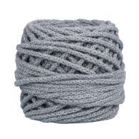 Sznurek bawełnianyBawełenka szara 125 to 100% bawełny w postaci przędzonego sznura o średnicy 5mm. W zwiniętym w kulkę motku jest 50 m.