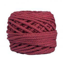 Sznurek bawełnianyBawełenka bordowa 380 to 100% bawełny w postaci przędzonego sznura o średnicy 5mm. W zwiniętym w kulkę motku jest 50 m.