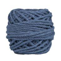 Sznurek bawełnianyBawełenka jeansowa 800 to 100% bawełny w postaci przędzonego sznura o średnicy 5mm. W zwiniętym w kulkę motku jest 50 m.