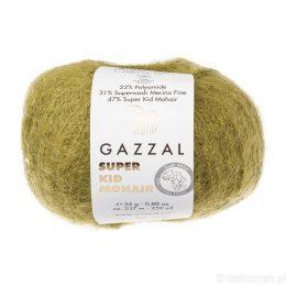 Gazzal Super Kid Mohair 64402 to super mięciutka moherowa włóczka w kolorze oliwki. 25g/237m. Idealna na jesienno-zimowe udziergi.