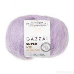 Gazzal Super Kid Mohair 64413 to super mięciutka moherowa włóczka w kolorze lawendowym. 25g/237m. Idealna na jesienno-zimowe udziergi.