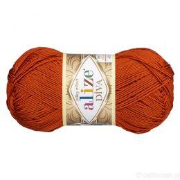 Alize Diva 36 to piękna turecka włóczka z jedwabnym połyskiem w kolorze rudym.100g/350m. Skład to 100% mikrofibry.