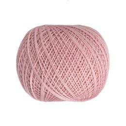 Ariadna Kaja 15 0315 w kolorze różowym to 100% bawełna merceryzowana od polskiego producenta nici i mulin. 30g/200m, grubość 50 tex